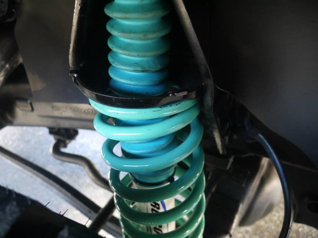 プロコンプ コイル、ショック | トヨタ ランドクルーザープラド 3.0 SXワイド ディーゼルターボ 4WD 5MTのショートボディー