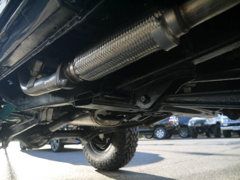 足回りは納車時防錆の塗装をしてからになります。 | トヨタ ランドクルーザープラド 3.0 SXワイド ディーゼルターボ 4WD 5MTのショートボディー