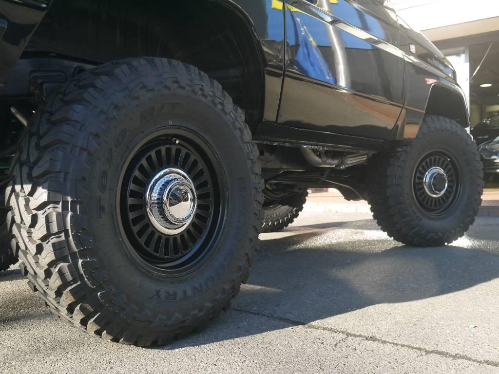 オープンカントリーMTタイヤ&DEANカルフォルニア16インチAW | トヨタ ランドクルーザープラド 3.0 SXワイド ディーゼルターボ 4WD 5MTのショートボディー