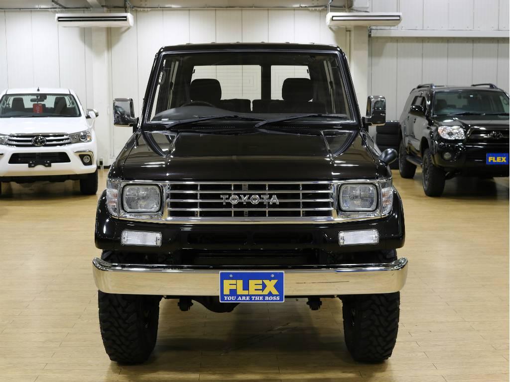 フロントビュー | トヨタ ランドクルーザープラド 3.0 SXワイド ディーゼルターボ 4WD 5MTのショートボディー