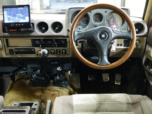 運転する楽しさのある5速MT車!ナルディーハンドルが更に楽しくさせてくれます! | トヨタ ランドクルーザー60