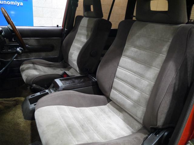 VX専用シートが装備! | トヨタ ランドクルーザー60