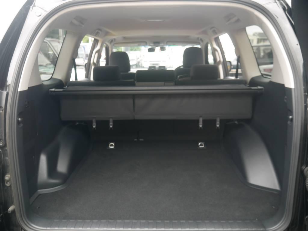 ラゲッジスペースはご覧の通りとっても広々しております!沢山の荷物を積み込む事ができますよ! | トヨタ ランドクルーザープラド 2.8 TX ディーゼルターボ 4WD