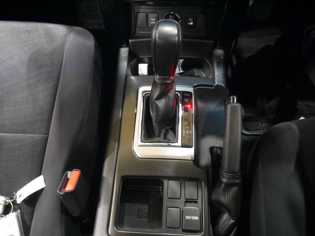 シフトノブ!操作も簡単です! | トヨタ ランドクルーザープラド 2.8 TX ディーゼルターボ 4WD