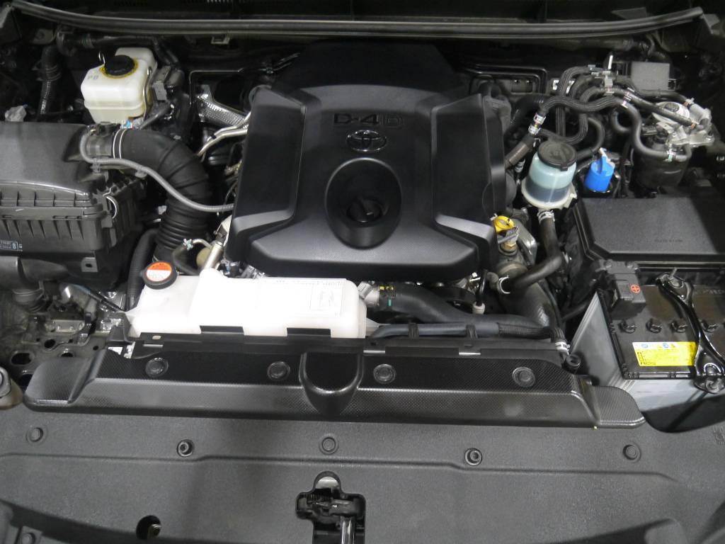 人気好調のディーゼルターボエンジン! | トヨタ ランドクルーザープラド 2.8 TX ディーゼルターボ 4WD