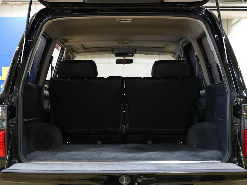 荷室はご覧の通りとっても広々としております。 | トヨタ ランドクルーザー80 4.2 VX ディーゼルターボ 4WD 最終モデル 純正ブラック