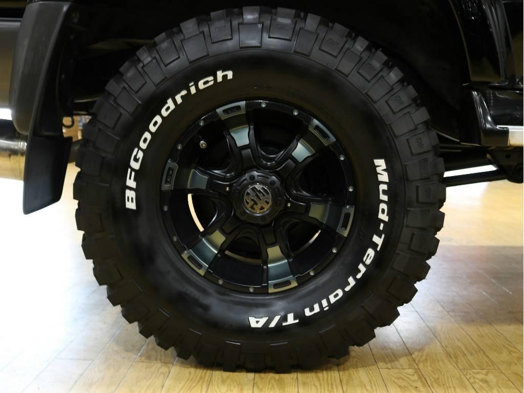 MGヴァンパイア16インチAW&BFグッドリッチマッドテレーンタイヤ | トヨタ ランドクルーザー80 4.2 VX ディーゼルターボ 4WD 最終モデル 純正ブラック