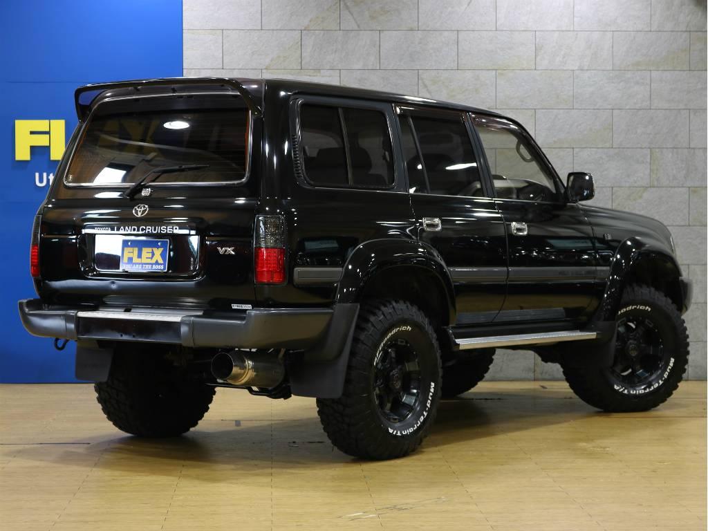 リアゲートは上下開きドアです!少ないスペースで荷物を積む事が出来ます! | トヨタ ランドクルーザー80 4.2 VX ディーゼルターボ 4WD 最終モデル 純正ブラック