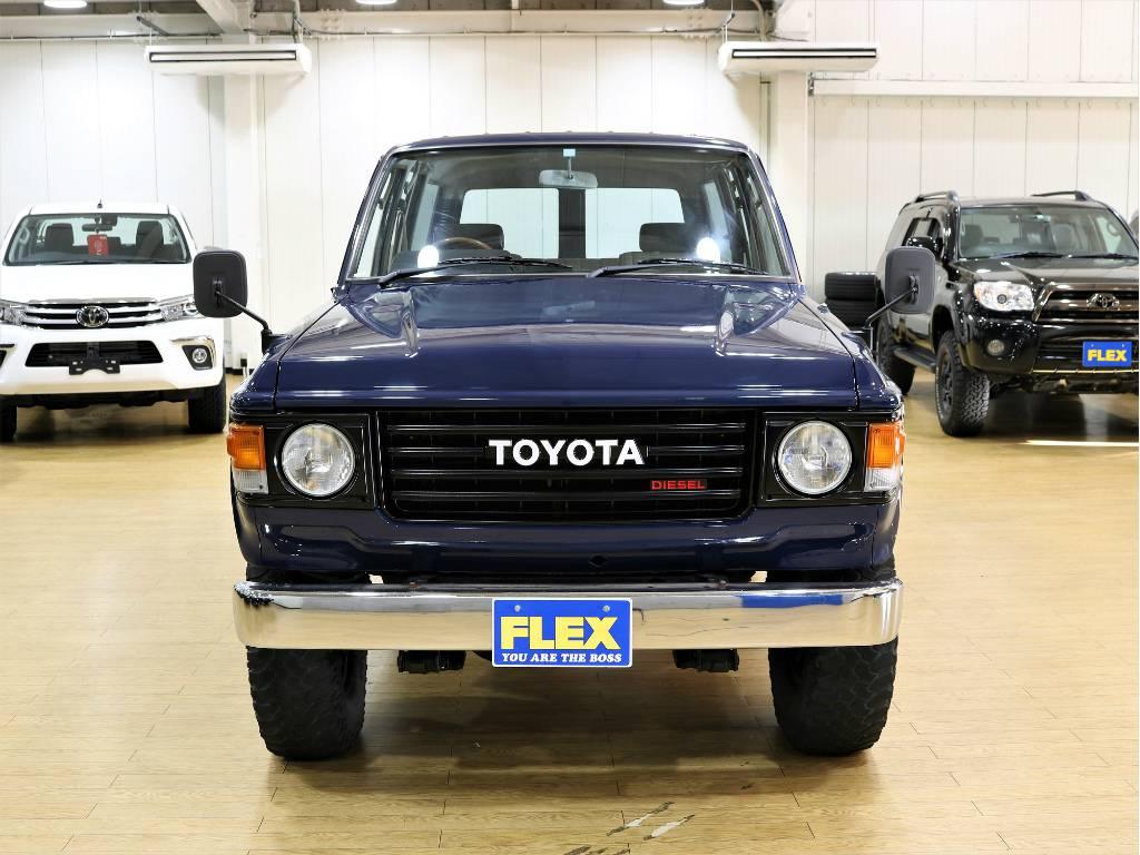 フロントビュー   トヨタ ランドクルーザー60 3.4 観音扉 ディーゼル 4WD