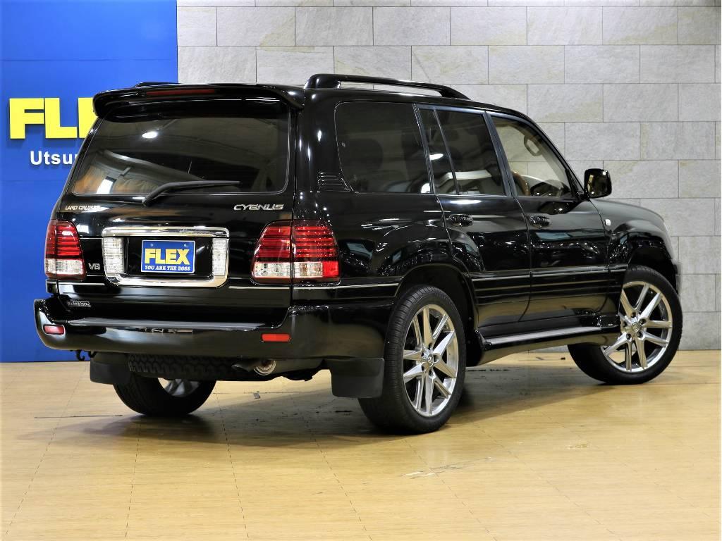 リアは上下開きドア!少なしスペースで荷物を積む事が出来ます! | トヨタ ランドクルーザーシグナス 4.7 4WD プッシュスタート セキュリティー