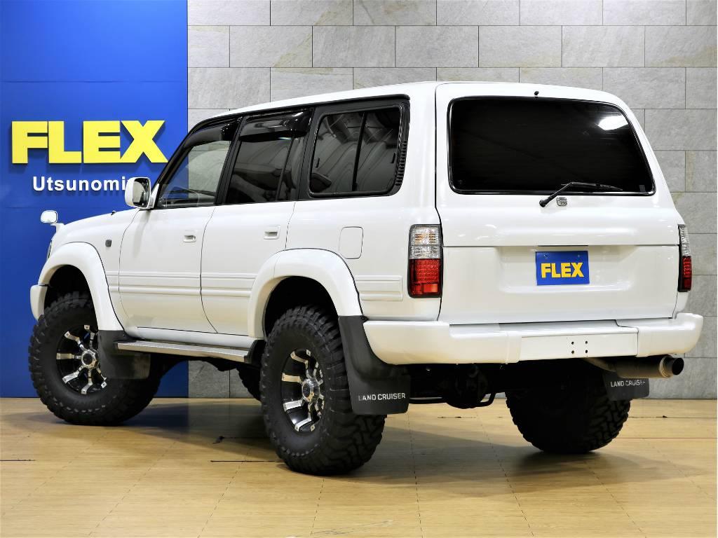 当店は工場併設店舗ですので、ご納車後のアフターメンテナンスや車検、カスタムなどもお任せ下さい。 | トヨタ ランドクルーザー80 4.5 VXリミテッド 4WD 中期 3インチアップ