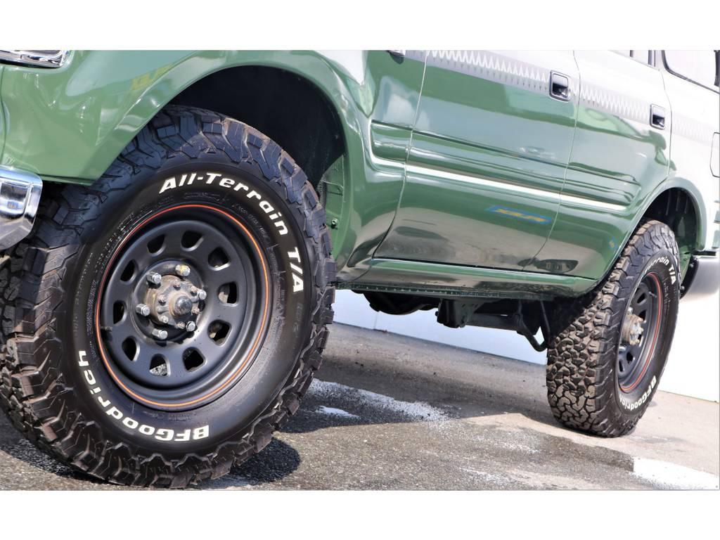 このタイヤとボディの力強さが4WDらしさですよね!