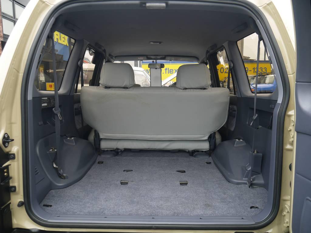 荷室はご覧の通りとっても広々としております! | トヨタ ランドクルーザープラド 2.7 TX リミテッド 4WD クラシックスタイル