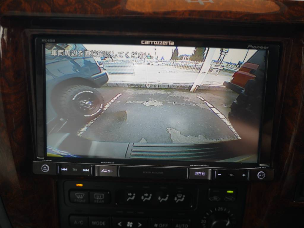 バックカメラも連動しておりますので、車庫入れも安心です! | トヨタ ランドクルーザープラド 2.7 TX リミテッド 4WD クラシックスタイル