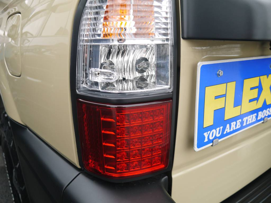 新品にてLEDハーフテールレンズ! | トヨタ ランドクルーザープラド 2.7 TX リミテッド 4WD クラシックスタイル