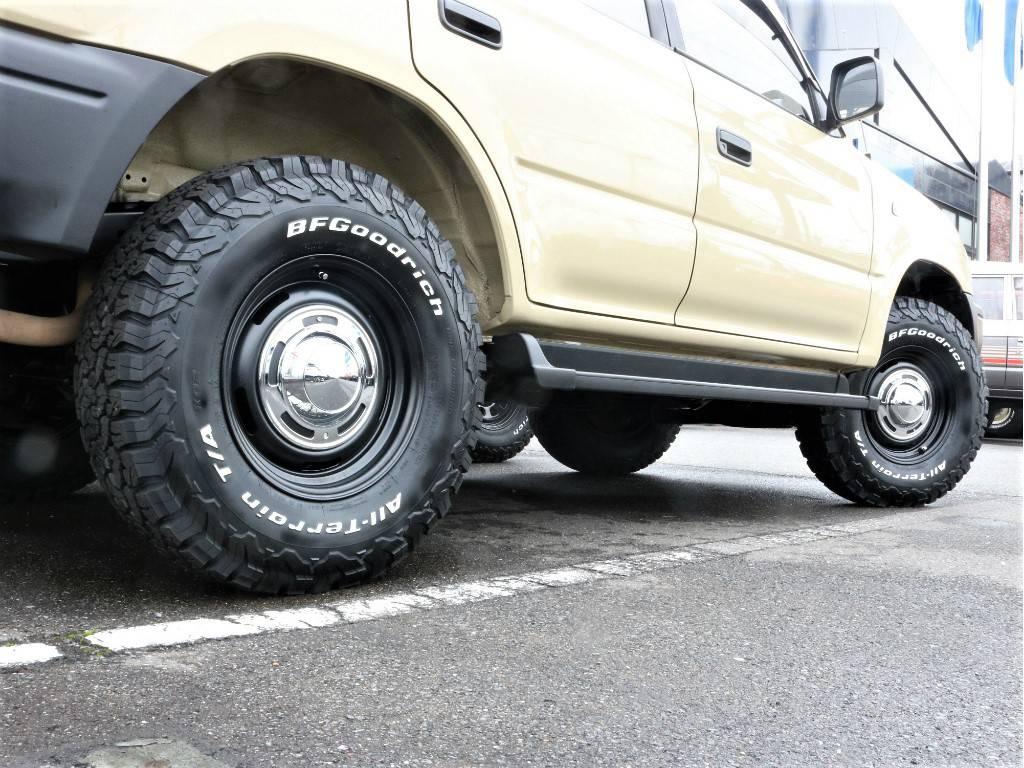 サイドステップも装備しておりますので、乗降りも安心です! | トヨタ ランドクルーザープラド 2.7 TX リミテッド 4WD クラシックスタイル