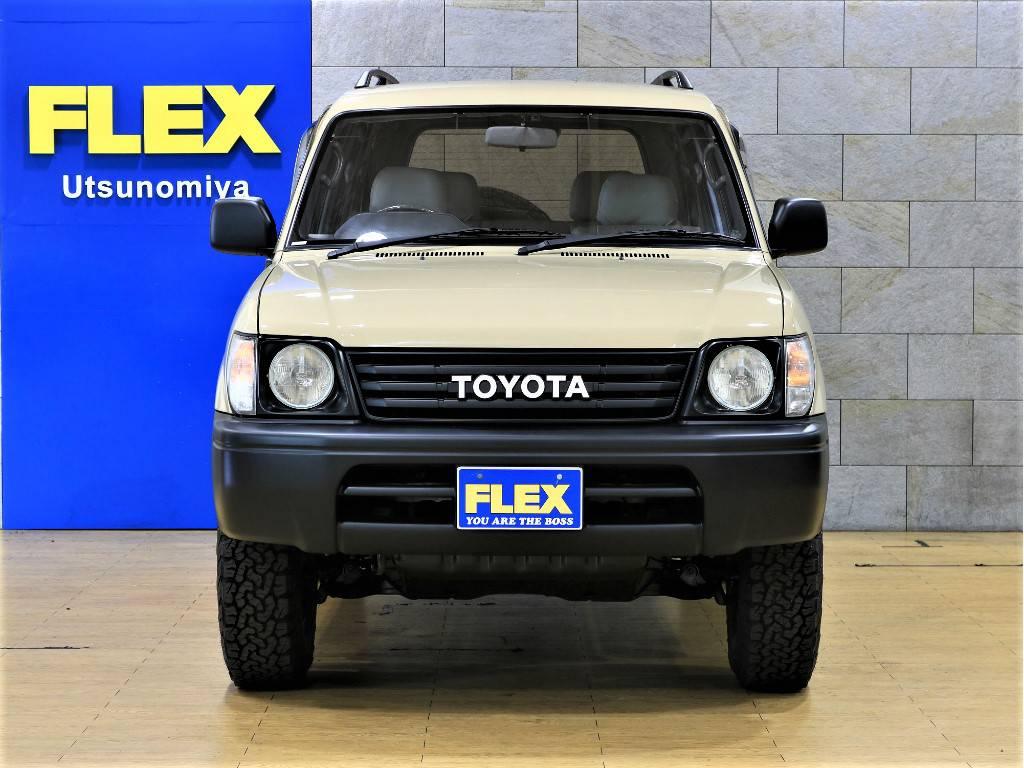 フロントビュー | トヨタ ランドクルーザープラド 2.7 TX リミテッド 4WD クラシックスタイル