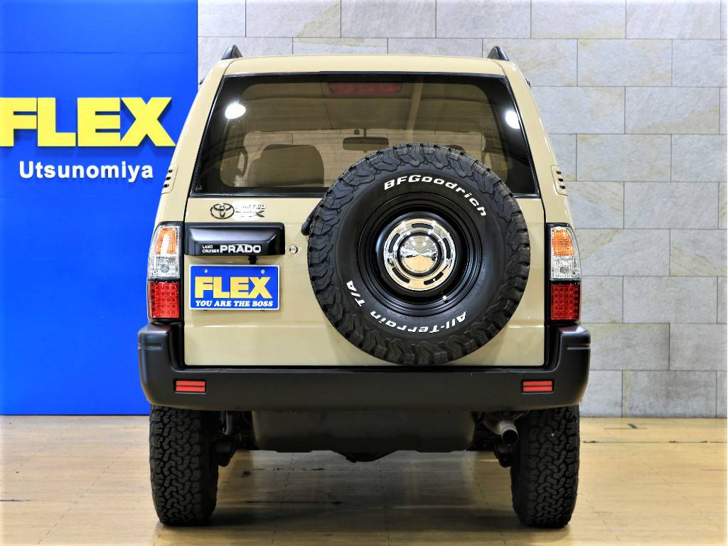 リアビュー | トヨタ ランドクルーザープラド 2.7 TX リミテッド 4WD クラシックスタイル