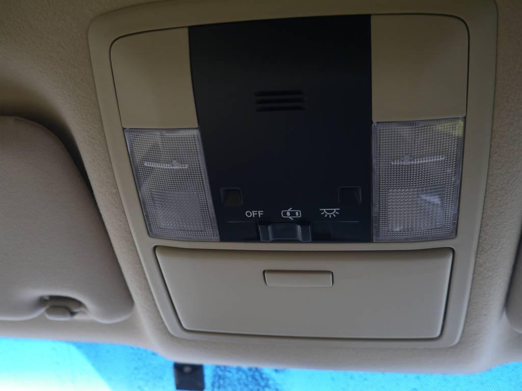 サングラスケースもありますよ!   トヨタ ランドクルーザープラド 2.7 TX 4WD ワンオーナー ベージュ内装