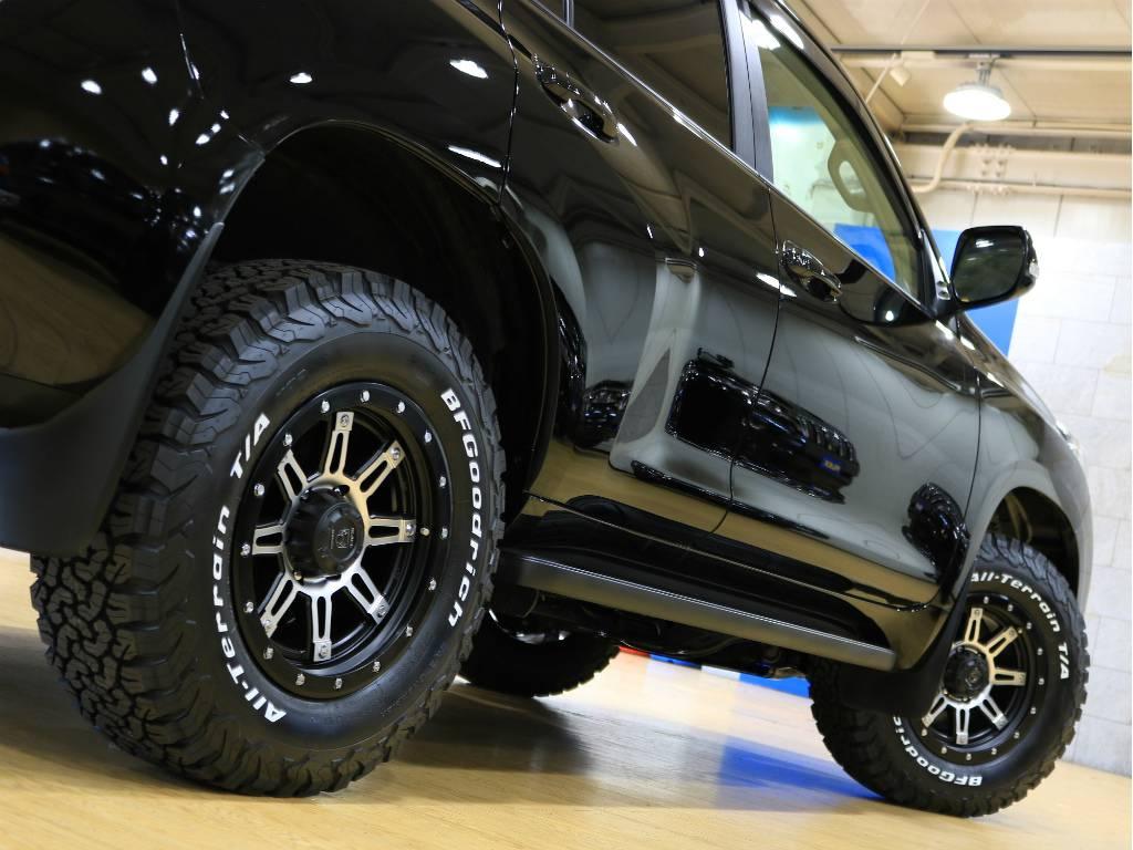BLACK MAMBAとの組み合わせもカッコよくまとまってますよ♪   トヨタ ランドクルーザープラド 2.7 TX 4WD ワンオーナー ベージュ内装