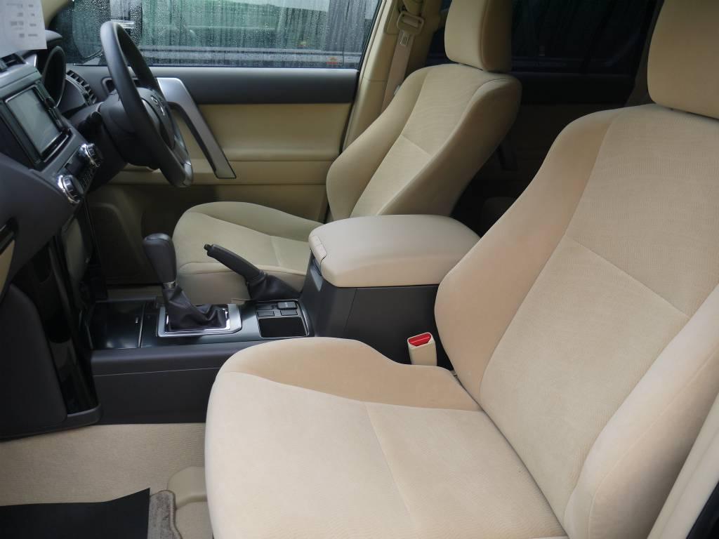 シートにへたりもなく、とってもきれいな状態です!   トヨタ ランドクルーザープラド 2.7 TX 4WD ワンオーナー ベージュ内装