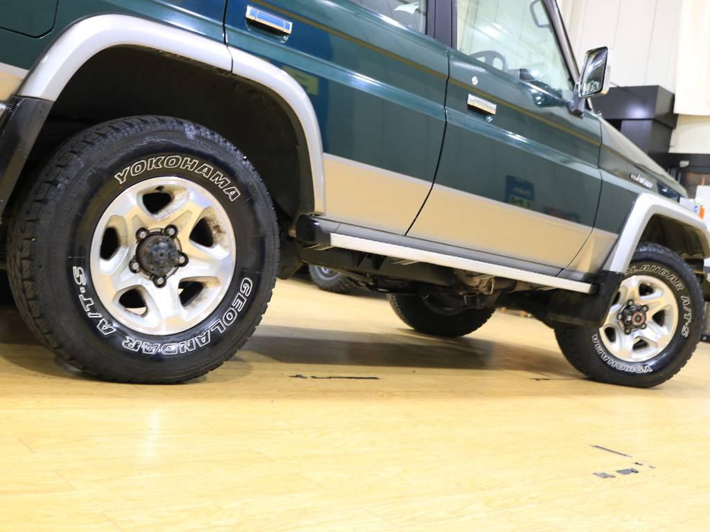 下からのアングルもカッコいいです! | トヨタ ランドクルーザー70 4.2 ZX ディーゼル 4WD