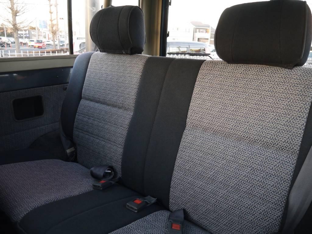 2ndシートは折り畳みも可能です! | トヨタ ランドクルーザー70 4.2 ZX ディーゼル 4WD