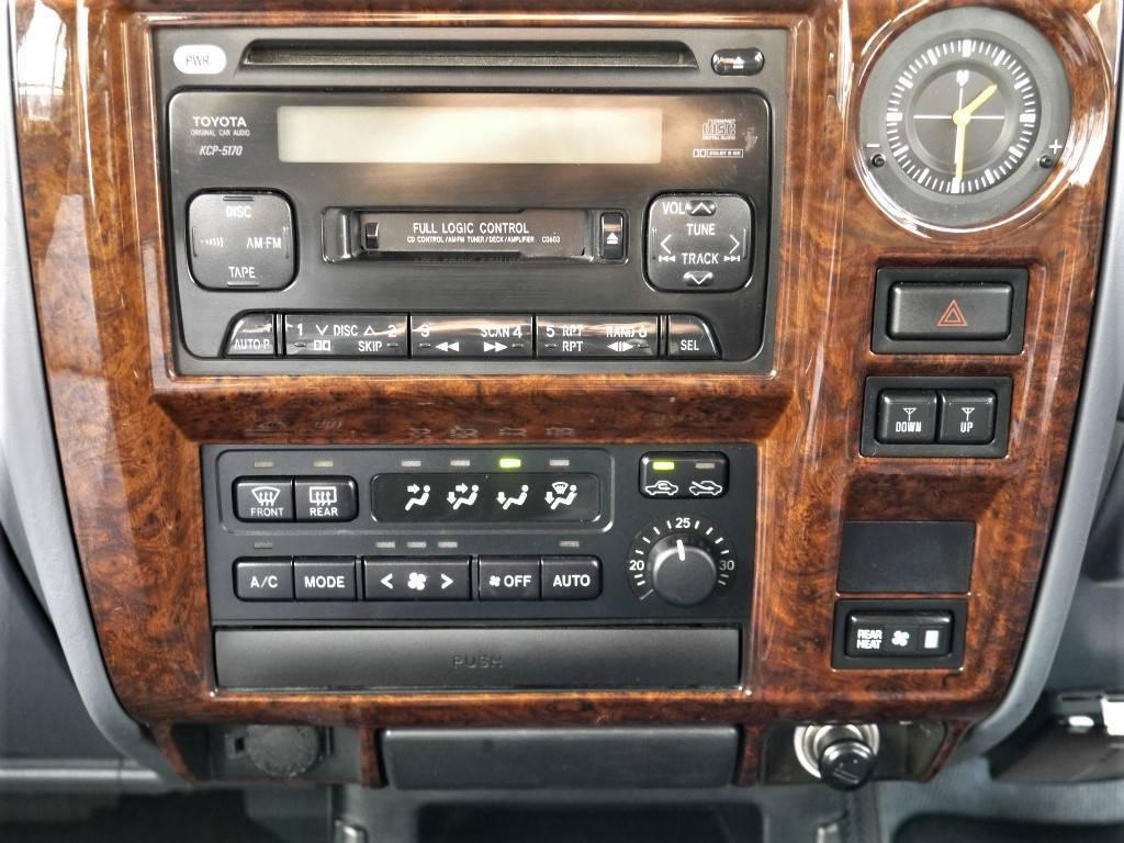 新品ナビを新たにインストールする事も出来ます!!   トヨタ ランドクルーザープラド 2.7 TX リミテッド 4WD