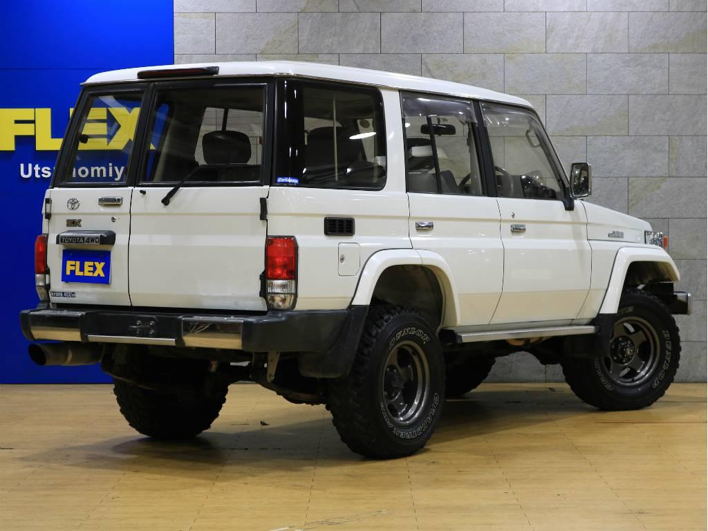 リアゲートは観音開きです♪ | トヨタ ランドクルーザー70 4.2 ZX ディーゼル 4WD