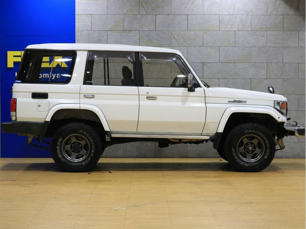 リフトアップ済み!! | トヨタ ランドクルーザー70 4.2 ZX ディーゼル 4WD