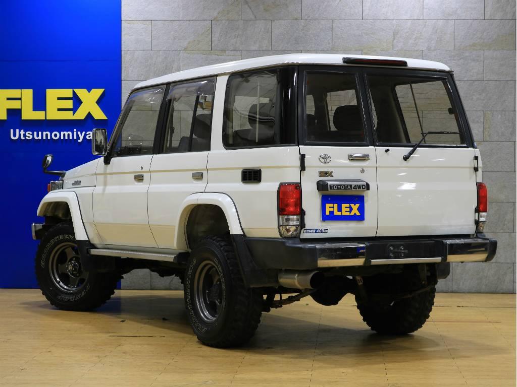 当店は工場併設店舗ですので、ご納車後のアフターメンテナンスや車検、カスタムもお任せ下さい。 | トヨタ ランドクルーザー70 4.2 ZX ディーゼル 4WD