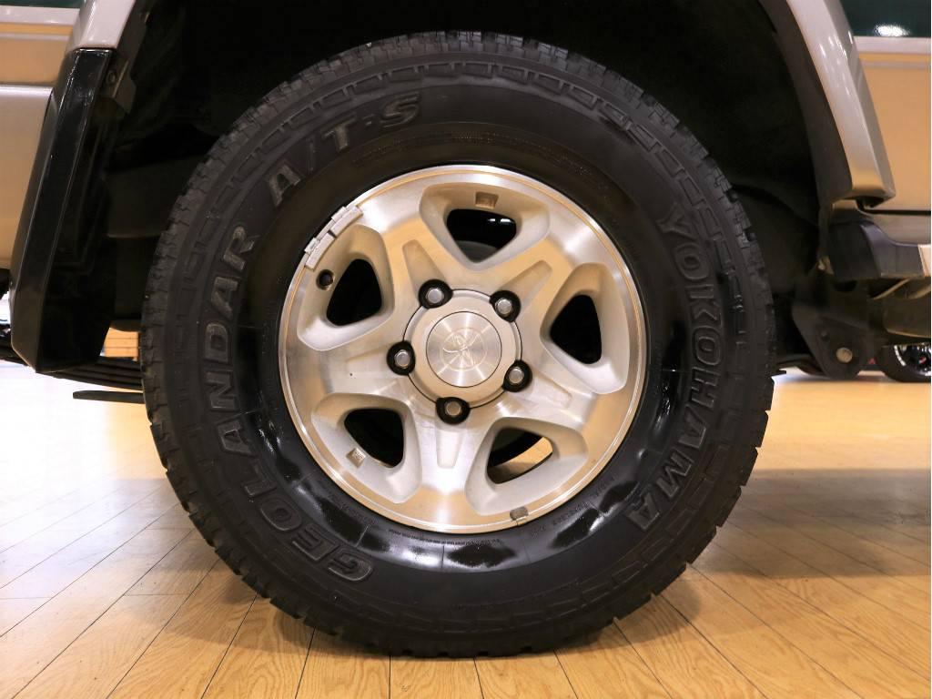 純正ホイール!旧70系では最後に発売された76、74のみ5穴になります。   トヨタ ランドクルーザー70 4.2 ZX ディーゼル 4WD