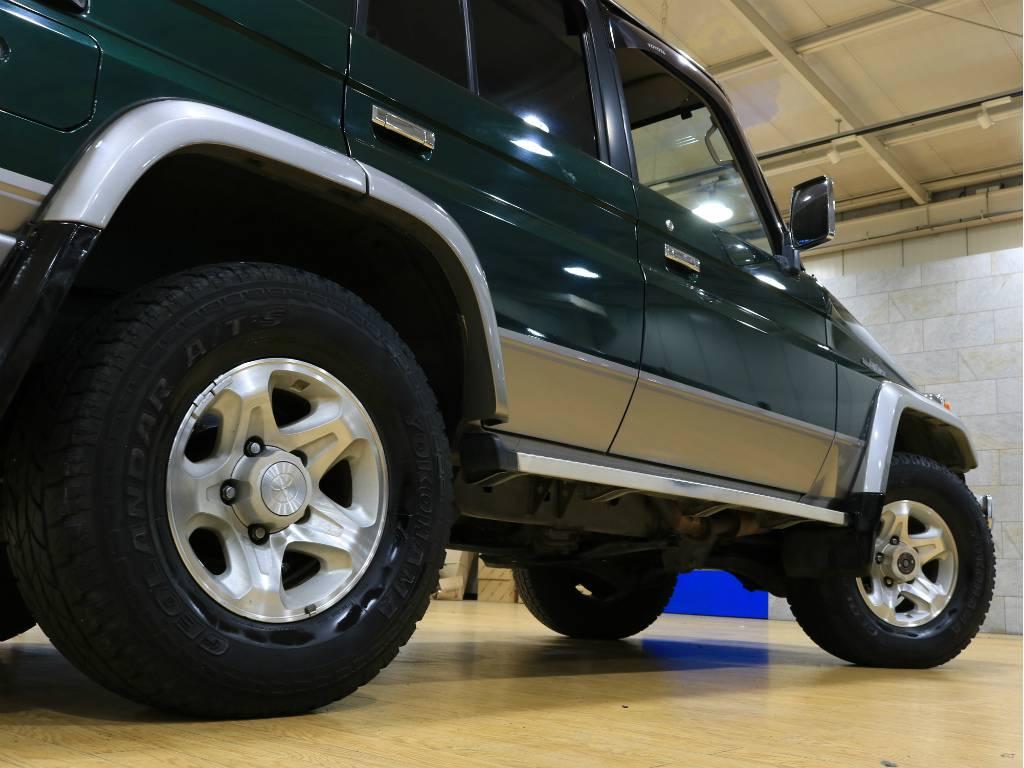 サイドステップも装備しておりますので、乗り降りは楽々ですね!   トヨタ ランドクルーザー70 4.2 ZX ディーゼル 4WD