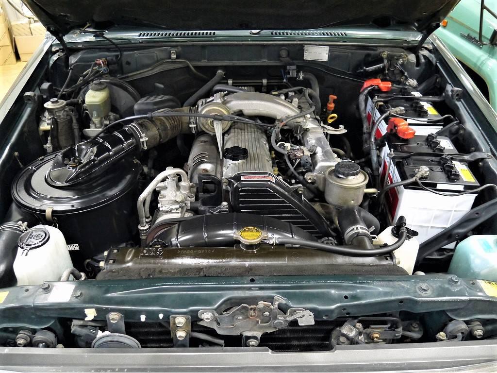 4200CCのディーゼルエンジン!今でも大変好評な1HZエンジンですね!   トヨタ ランドクルーザー70 4.2 ZX ディーゼル 4WD