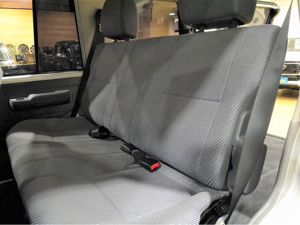 2ndシートは使用感を感じません。さすがワンオーナー車ですね! | トヨタ ランドクルーザー70