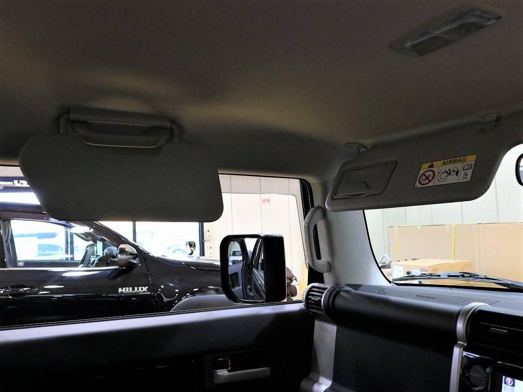 再度にサンバイザーもあります!! | トヨタ FJクルーザー 4.0 ブラックカラーパッケージ 4WD