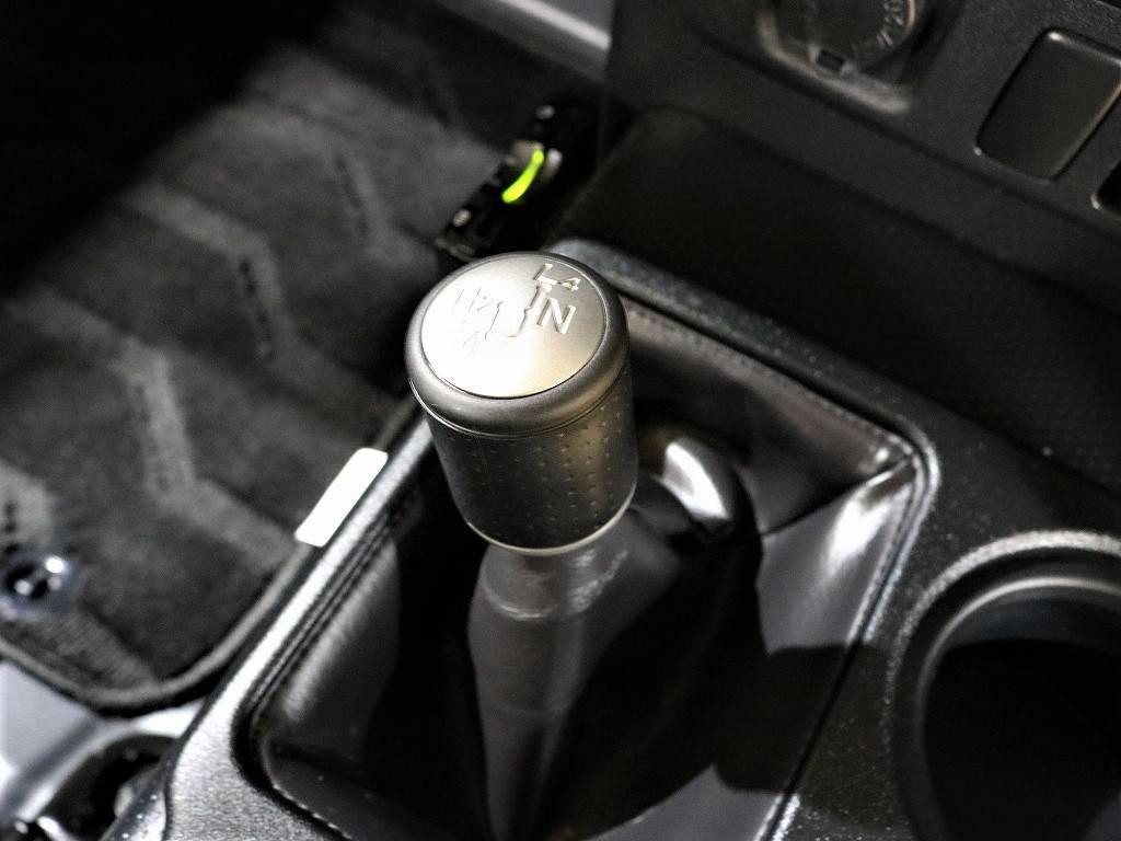 | トヨタ FJクルーザー 4.0 ブラックカラーパッケージ 4WD