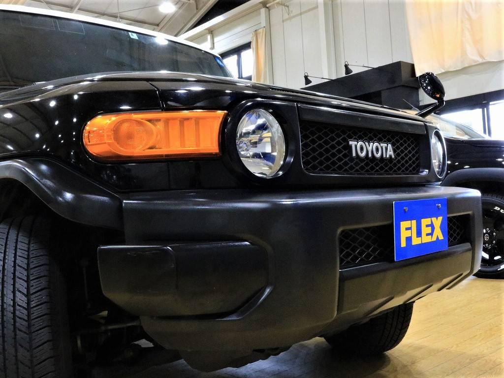 迫力のフロントフェイス! | トヨタ FJクルーザー 4.0 ブラックカラーパッケージ 4WD