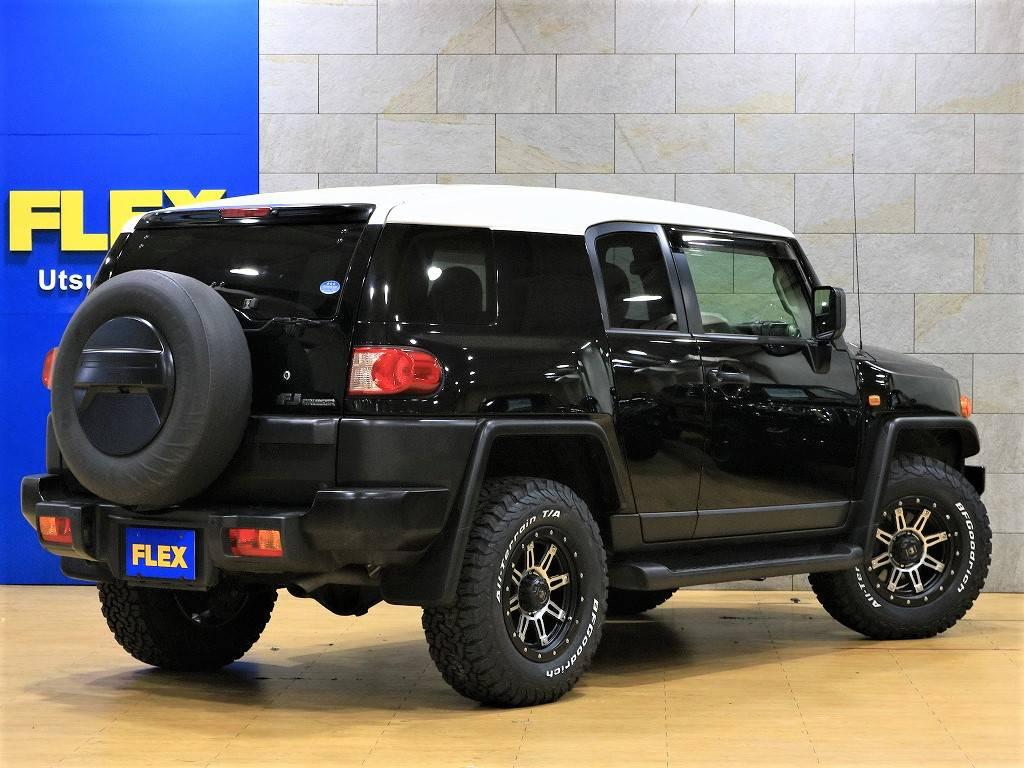 リアゲートは横開きです♪とっても使い勝手がいいですね♪ | トヨタ FJクルーザー 4.0 ブラックカラーパッケージ 4WD