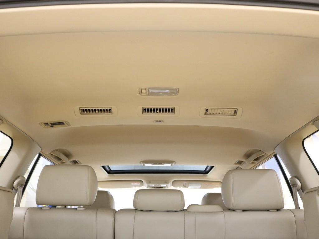 ルームクリーニングにて車内も清潔に保たれております♪