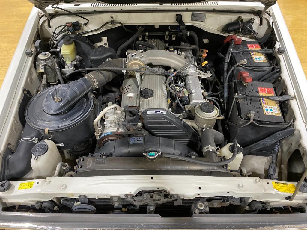 4.2Lの1HZディーゼルエンジンです♪