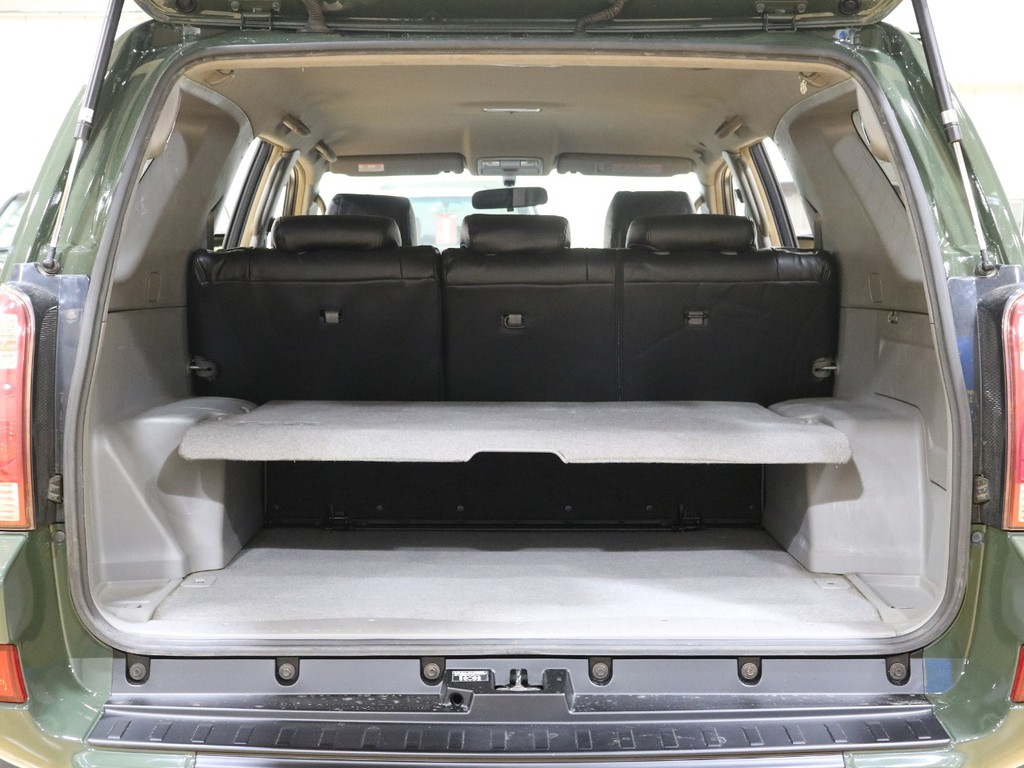 荷室にはダブルデッキが装備されております☆SSR-Gのみの特別仕様です♪