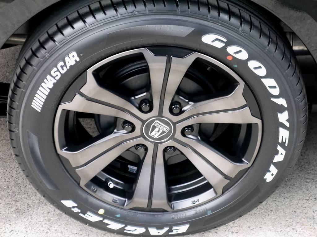 足元にはフレックスオリジナルカラーのバルベロ アーバングランデ17インチアルミにナスカータイヤをインストール!!
