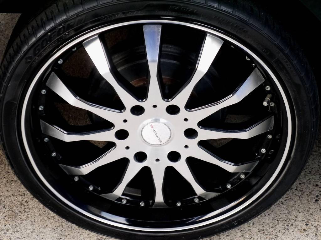 足元にはEURO-S20インチアルミをセット!!   トヨタ ハイエースバン 2.7 スーパーGL ワイド ロング ミドルルーフ ブラックカスタム