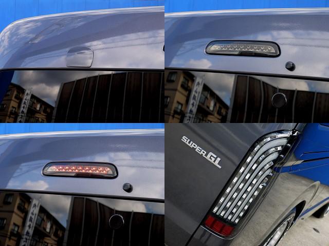 細かのところまでカスタムパーツが充実!! | トヨタ レジアスエース 2.7 スーパーGL ワイド ミドルルーフ ロングボディ 4WD アウトドアパッケージ