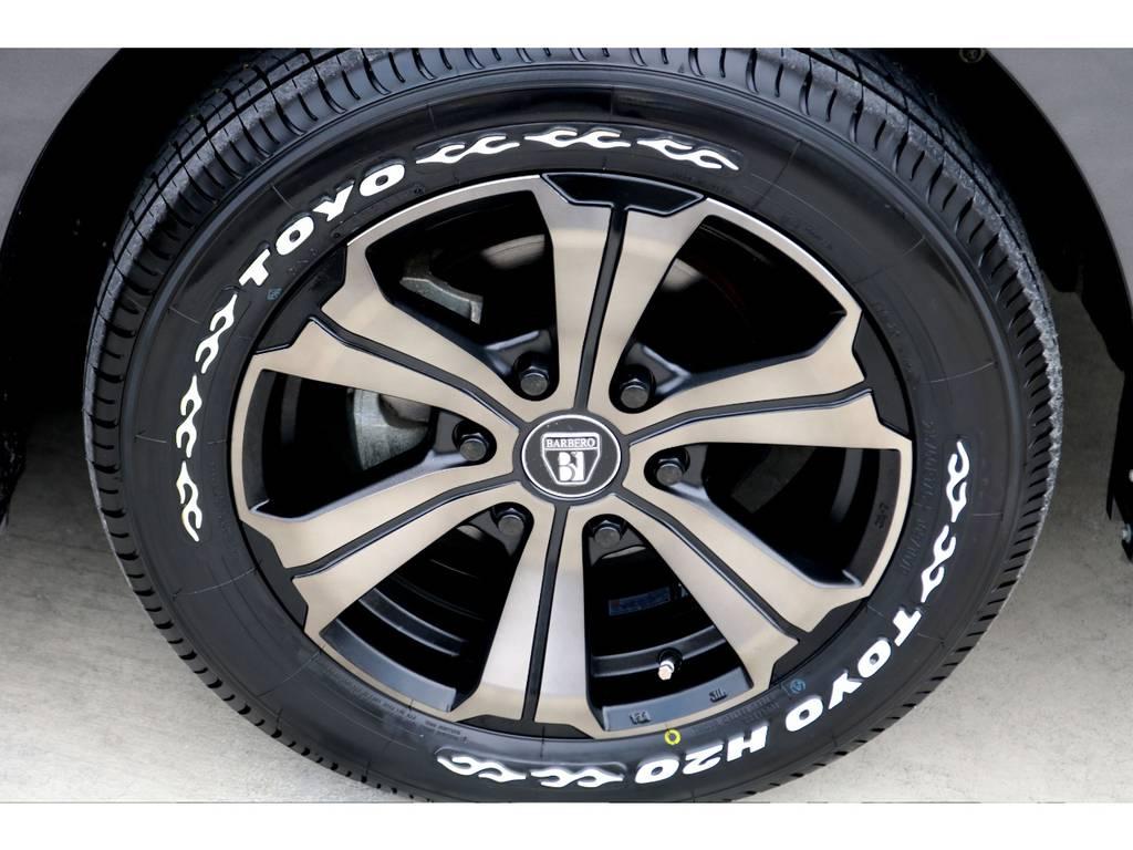 足元にはFLEXオリジナルカラー バルベロUG17アルミにTOYO H20タイヤをチョイス!!