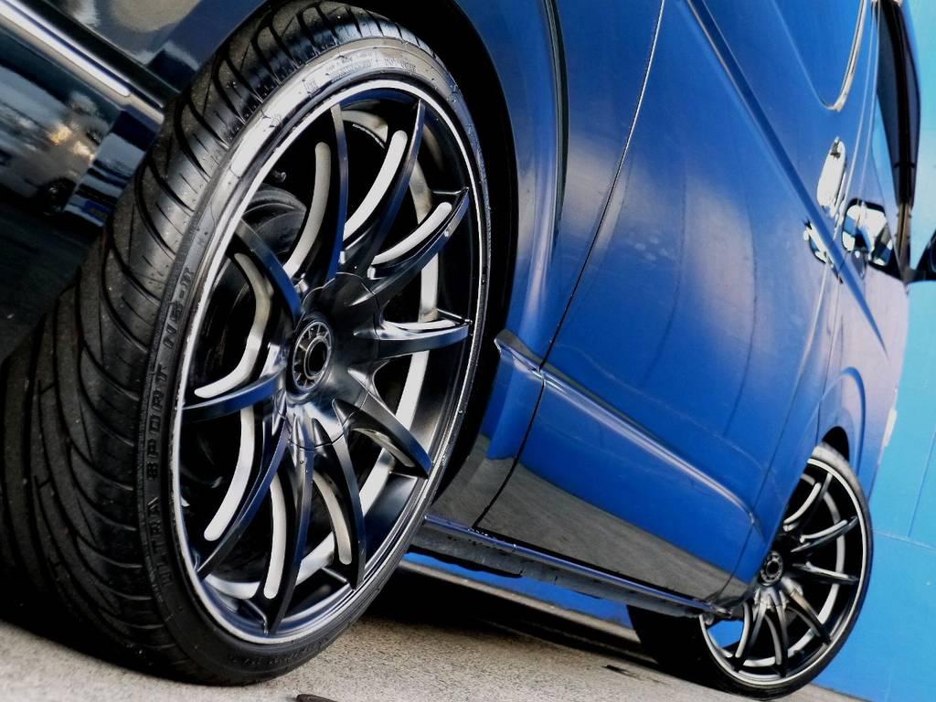ボディーラインにベストマッチのホイール!! | トヨタ ハイエースバン 3.0 スーパーGL ロング ディーゼルターボ ブラックカスタム