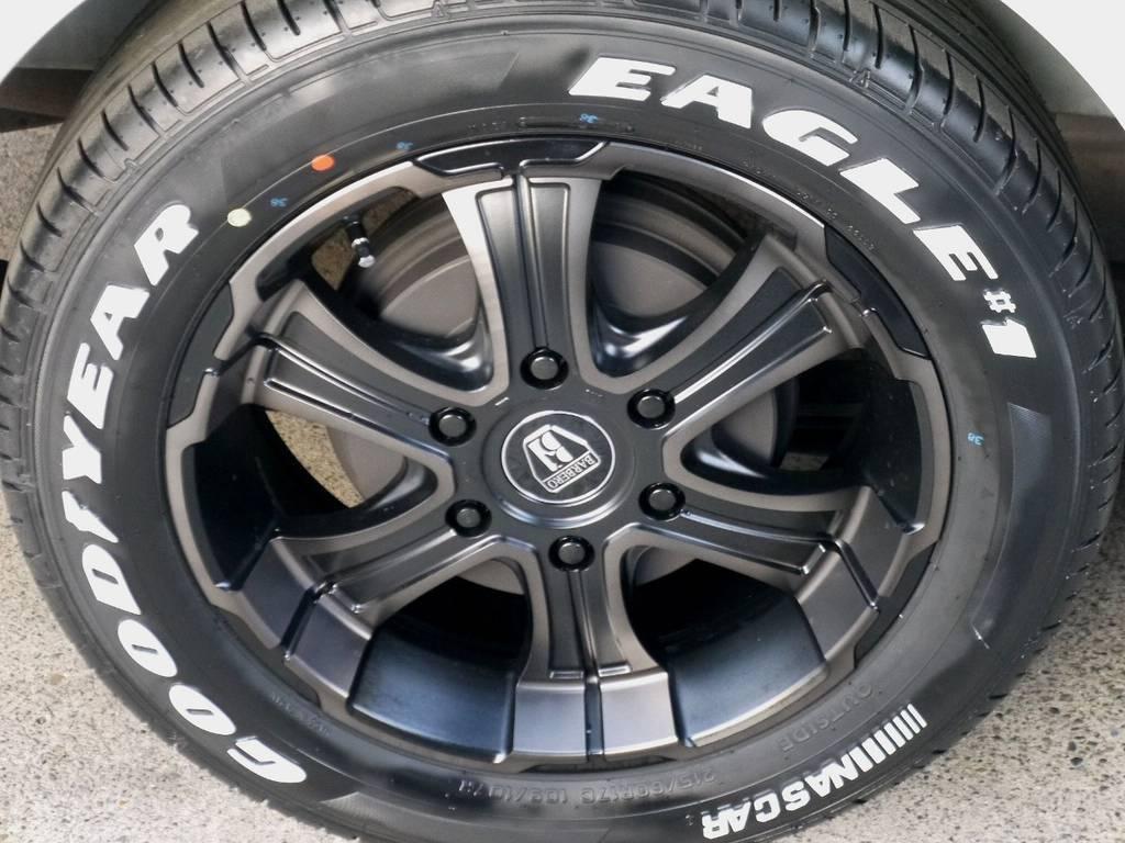 足元にはフレックスオリジナルカラー バルベロ ワイルドディープス17インチアルミにナスカータイヤをインストール!! | トヨタ レジアスエース 3.0 スーパーGL  ダークプライム ロングボディ ディーゼルターボ ライトカスタムパッケージ