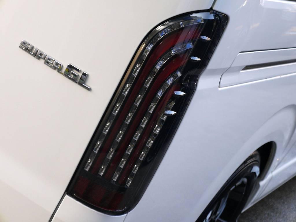 フレックスオリジナル 煌レッドLEDテールをセット!! | トヨタ レジアスエース 3.0 スーパーGL  ダークプライム ロングボディ ディーゼルターボ ライトカスタムパッケージ