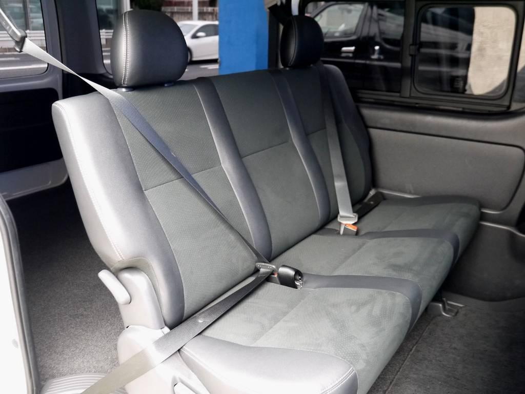 セカンドシート専用シートベルト完備!! | トヨタ ハイエースバン 2.0 スーパーGL ダークプライム ロングボディ ナビパッケージ